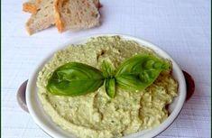 Pesto de basilic - 1, 2, 3, 4 filles aux fourneaux Hummus, Dit, Voici, Comme, Ethnic Recipes, Food, Chorizo, Sauces, Baskets