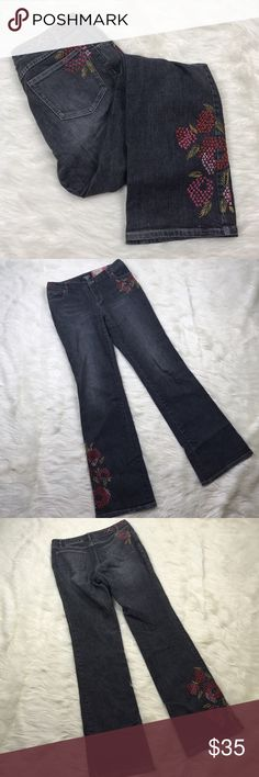 """[J Jill] Embroidered Jeans 8 Tall Floral Gray Boot Classic fit/boot cut J. Jill jeans. From the Re-Crafted line. Floral cross stitch embroidery. Gray wash. Stretch fit. Size 8 TALL!   🔹Fabric: 98% Cotton 2% Lycra Spandex 🔹Waist: 32"""" 🔹Rise: 10"""" 🔹Inseam: 36"""" 🔹Condition: Excellent pre-owned condition. J. Jill Jeans Boot Cut"""