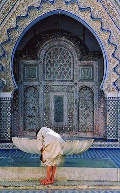 Fes, Morocco http://www.whenevermarrakech.com/fez-hostels-1/ http://www.marrakechrougehostels.com/fez/