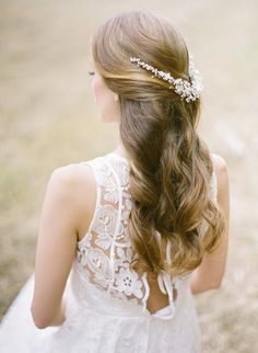 Editor's Pick: Dazzling Wedding Hairstyles. To see more: http://www.modwedding.com/2014/09/04/editors-pick-dazzling-wedding-hairstyles/ #wedding #weddings #wedding_hairstyle Featured Hairstyle: Percy Handmade