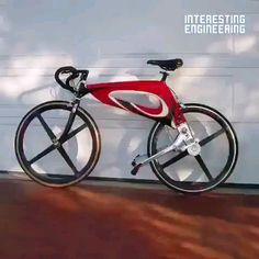 This bike's unique design will give you an extra boost in power while on the road Scooter Vintage, Velo Vintage, Velo Design, Bicycle Design, Cool Bicycles, Cool Bikes, Simson Moped, Velo Cargo, Cool Gadgets To Buy
