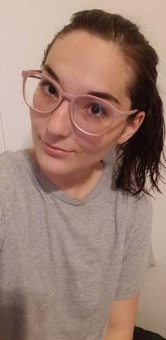Girls With Glasses, Eyebrows, Eyewear, Board, Fashion, Cheer Up, Moda, Eye Brows, Eyeglasses