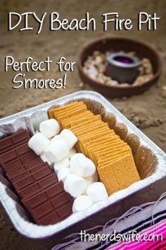 DIY Beach Fire Pit For roasting s'mores'! #LetsMakeSmores #ad Bbq Party, Beach Party Snacks, Camp Snacks, Comida Picnic, Camping Meals, Beach Camping, Beach Bbq, Camping Parties, Beach Trip