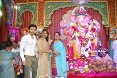 Priyanka Chopra Visits Andheri Cha Raja Ganpati In Mumbai (24)    #PriyankaChopra