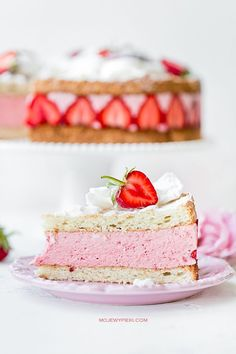 Almond cake with strawberry mousse Sweet Recipes, Cake Recipes, Dessert Recipes, Strawberry Mousse Cake, Sweets Photography, Nice Cream, Almond Cakes, Breakfast Dessert, Food Cakes