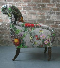 Upholstery: Bloomsbury Garden Dreich fabric by Timorous Beasties