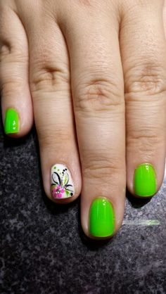 The green wouldnt work on me though :( I'd choose a different color Summer Nails 2014, Cute Summer Nails, Cute Summer Nail Designs, Cool Nail Designs, Fancy Nails, Pretty Nails, Hot Nails, Fabulous Nails, Green Nails