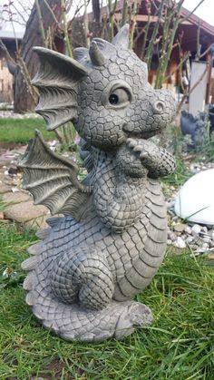 garden ornament ideas miniature homemade garden decor ideas - Decor Diy Home Dragon Statue, Dragon Art, Dragon Garden, Dragonfly Decor, Dragon Jewelry, Dragon Pictures, Cute Dragons, Fantasy Dragon, Baby Dragon