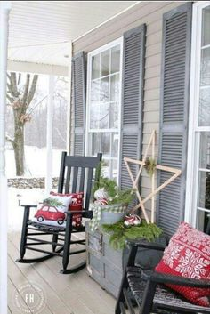 Christmas front porch, rocking chairs, star