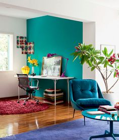 Hello color. #lamp #wall #chair #rug #sapphire