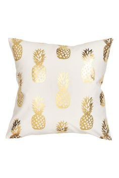 Pillows - Cushion cover in cotton twill with a shimmering, gold pineapple printed design. Pineapple Room, Gold Pineapple, Pineapple Lights, Girls Bedroom, Bedroom Decor, Nursery Decor, Bedroom Ideas, Printed Cushions, Cushions Navy