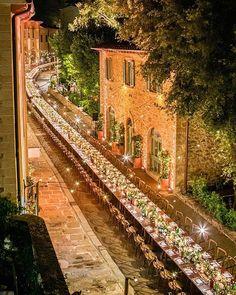 Longest dinner table in italy! Truly Magical 💗  Wedding Planner @amoreweddings || Floral @flowersliving || Venue @castelfalfi ||…