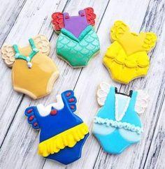 New cookies decoradas princesas ideas Fancy Cookies, Iced Cookies, Cute Cookies, Cookies Et Biscuits, Sugar Cookies, Heart Cookies, Valentine Cookies, Easter Cookies, Birthday Cookies