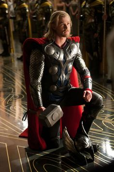 thor | Thor: O deus do trovão nos quadrinhos | hqrock Chris Hemsworth portraying Thor in modern movies, which shows how traces of Norse mythology are still appreciated today.