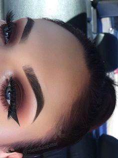 Imagen de girl, eyes, and makeup