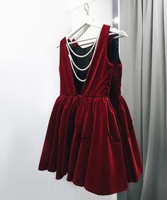 """NEW Бархатное платье """"колокольчик"""" декорированное на спине жемчугом ещё в черном цвете скорей к нам +79670082786 малый конюшковский переулок д2"""