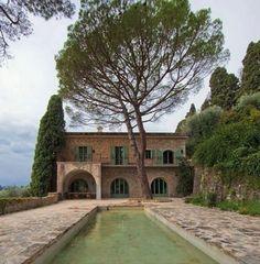 LAKO JE TAKO Raskošna kamena kuća u kojoj je živio i stvarao Pablo Picasso…