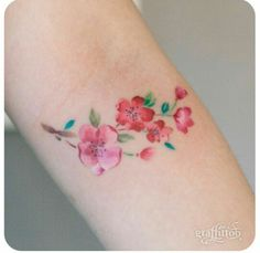 Done by Graffittoo #tattoo #flowers #mini