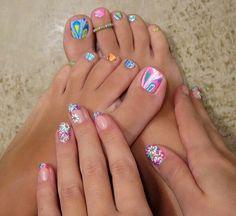 Tie dye toes!