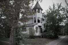 This abandoned home in East Cleveland was marked by ABC News as the dumping ground of a serial killer in 2013.