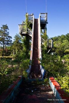Log ride at the ruins of Dogpatch Amusement park