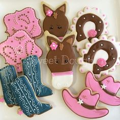 Sweet Dough Cookies: Love the horseshoe Iced Cookies, Cute Cookies, Royal Icing Cookies, Cupcake Cookies, Sugar Cookies, Cupcakes, Horse Birthday, Cowgirl Birthday, Cowgirl Party