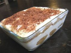 Tiramisu : la recette facile Your scrumptious dish from Poland is referred to as babka. Easy Cake Recipes, Easy Desserts, Dessert Recipes, Food Cakes, Tiramisu Dessert, Tiramisu Speculoos, Easy Meals, Good Food, Food And Drink