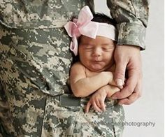 Photo idea for military dads. love this one. hope I haven't posted it before.
