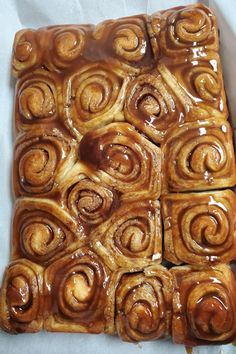 Ooey-Gooey Cinnamon Buns Recipe - - These buns are sooo good hot from the oven when they're gooey and warm. Best Sticky Bun Recipe, Pecan Sticky Buns, Sweet Roll Recipe, Sticky Rolls, Cinnamon Bun Recipe, Cinnamon Rolls, Brunch, Pecan Recipes, Bread Bun