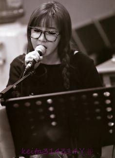 Park Bom rehearsing