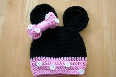 Minnie Mouse Hat, crochet photo prop, baby girl photo prop, pink and black, white buttons, Newborn to 12 Months on Etsy, $21.00 #minniemouse