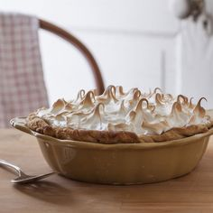 Beth M. Howard (Ms American Pie) shares her recipe for chocolate cream pie. Mother Earth News.