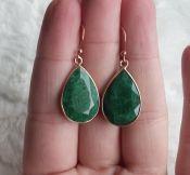 Vergulde zilveren oorbellen gezet met Emerald druppel
