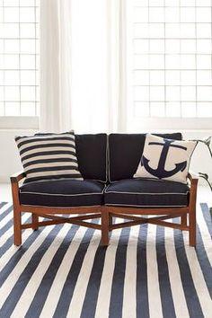 Trimaran Stripe Navy/Ivory Indoor/Outdoor Rug