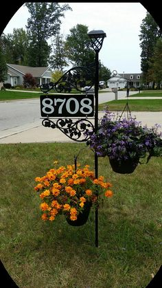 Driveway Address Sign - Double Sided Reflective Address 911 with pole & double scroll and 2 plant hooks with Solar Light Address Sign House Landscape, Landscape Design, Garden Design, Front House Landscaping, Backyard Landscaping, Landscaping Ideas, Circle Driveway Landscaping, Modern Driveway, Front Yard Decor