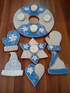 Vianočné medovníky v netradičnej modrej. Neuveriteľne precízna práca. Autorka: VieraO. Vianoce, advent, medovníky, vianočné medovníky, perníky. Artmama.sk