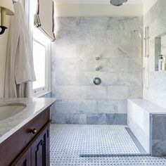 Wet room design tips and advice, - from wet room tiles to wet room installation costs, we've got everything you need to know about wet rooms Wet Room Bathroom, Wet Room Shower, Chic Bathrooms, Master Bathroom, Shower Chair, Beige Bathroom, Master Shower, Downstairs Bathroom, Bathroom Renos