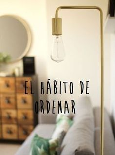 Learn about minimalism and discover how to be minimalist. Create order, live with … - Interior Design Fen Shui, Decoration Bedroom, Making Life Easier, Tidy Up, Home Hacks, Declutter, Organize, Better Life, Home Organization