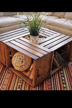 Una mesa muy original con cajones.