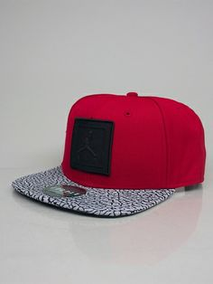NIKE JORDAN 589016 695 JORDAN JUMPMAN AIR STRAPBACK Cappello Snapback - gym red - black € 28,00 - See more at: http://www.moveshop.it/ecommerce/index.php/it/articolo/55306/10580/589016%20695%20JORDAN%20JUMPMAN%20AIR%20STRAPBACK#sthash.TYAFszzS.dpuf