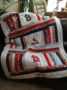 Items similar to St. Louis Cardinals throw or blanket on Etsy