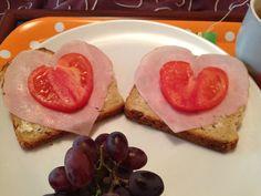 Frukost i sängen...designed and served by Erik <3