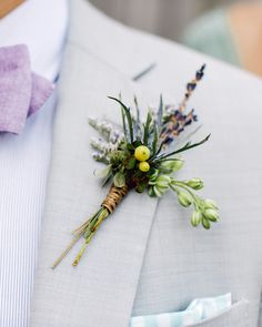 Discover seasonal boutonniere inspiration for the groom and his groomsmen. Here, we rounded up floral accessories that are perfect for the spring. Floral Bouquets, Wedding Bouquets, Wedding Flowers, Phuket Wedding, Destination Wedding, Martha Stewart Weddings, Groom Style, Flowers In Hair, Spring Wedding