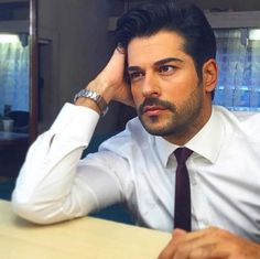 Turkish Men, Turkish Actors, Burak Ozcivit, Beauty Background, Postnatal Workout, Actrices Hollywood, Handsome Boys, Workout Programs, Gorgeous Men