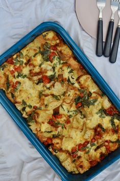 Tomato & Basil Strata Breakfast Casserole, Breakfast Recipes, Dinner Recipes, Tomato Basil, Yummy Food, Delicious Recipes, Meals For One, Family Meals, Entrees