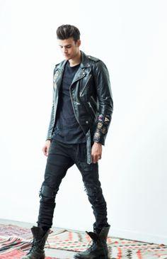 Screen Shot 2015-09-10 at 3.19.03 PM Boys Leather Jacket, Leather Jacket Outfits, Leather Jackets, Trendy Mens Fashion, Fashion Moda, Men's Fashion, Fashion Trends, Teddy Boys, Zara