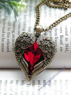 Pretty retro copper red crystal heart shape with two angel wings necklace pendant jewelry vintage styleFrom toofashion2010