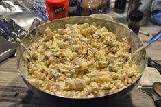 Elämää Koivurannassa: Hedelmäinen broileri-pastasalaatti