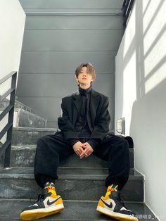 Jeonghan, Wonwoo, Aesthetic Fashion, Aesthetic Clothes, Kpop Fashion, Korean Fashion, Fashion Men, Fashion Ideas, Ropa Hip Hop