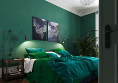 15 Cozy Bedroom Design Ideas With Green Color Schemes Having a comfortable bedroom is everyone's dream because this is where we will often spend our daily time. Because of that, the atmosphere of the bedroom will reflect the personality of the r… Cozy Bedroom, Bedroom Makeover, Green Rooms, Bedroom Decor, Bedroom Color Schemes, Bedroom Colors, Bedroom Green, Green Bedroom Design, Stylish Bedroom Design